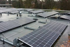 Solarpaneele auf dem Dach von LeNa