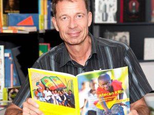 "Lutz van Dijk liest bei LeNa aus ""African Kids"""