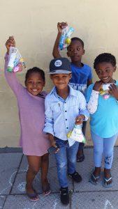 Waisenkinder in Kapstadt feiern Ostern im HOKISA-Heim