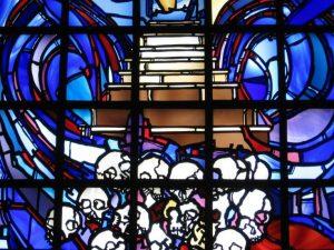 Fenster in der Gedenkstätte Gisozi in Ruanda